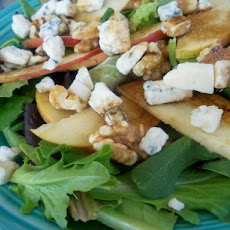 Festive Winter Salad With Walnuts and Apples