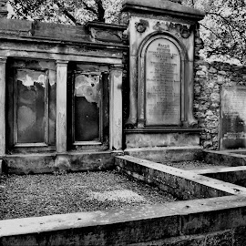 Black and white graves by Nic Scott - Buildings & Architecture Statues & Monuments ( graves, black and white )