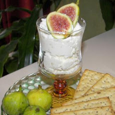 Fresh Figs With Garlic-Feta Cream