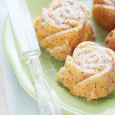 Vanilla Flavored-almond And Quinoa Rose Teacakes