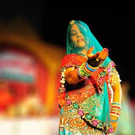 An artist performing during teej festival in pink city Jaipur by Manish Sharma - People Musicians & Entertainers ( fashion, artist, dance, portrait, culture )