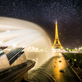 Trocadero by Cosmin Stahie - City,  Street & Park  Vistas ( exposure, water, des, single, spray, strobist, trocadero, eiffel, long, cannon, paris, tower, jardin, fountain, la, night, france, tour )