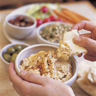 Spicy Hummus with Pita (Harissa Spice)