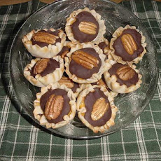 Mini Butterscotch Choco-Pecan Phyllo Cups