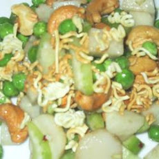 Pea, Jicama, and Cashew Salad