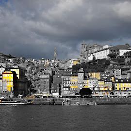 Amarelo by Lia Ribeiro - Digital Art Places