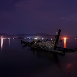 Beach at Night by Al Alc - Landscapes Beaches