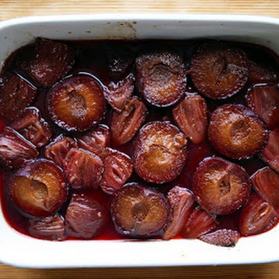 Baked Plums And Strawberries With Ginger And Balsamic