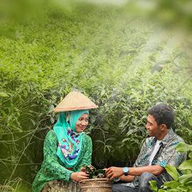 by Ahmad Syamsuddin - Wedding Bride & Groom