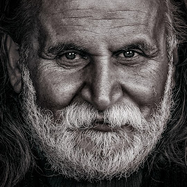 Portrait by Ali Alaraibi - Black & White Portraits & People ( b&w, hair, people, portrait, man )