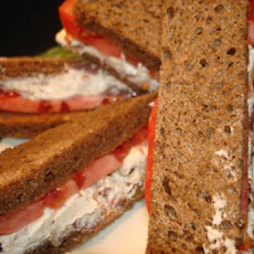 Bacon, Horseradish, and Tomato Sandwiches
