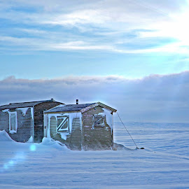 by Bente Agerup - Landscapes Weather ( wind, winter, snow, buildings, cabins, sun )