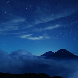The Mighty Mountains by Erick Kurniawan - Landscapes Mountains & Hills ( mountain, prau, indonesia, stars, nightscape )