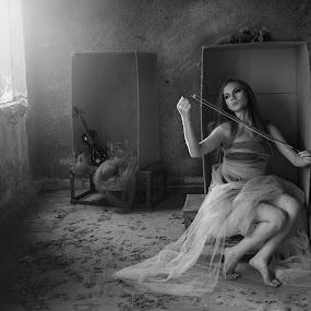 Play with heart by Yuni Herawati - Black & White Portraits & People