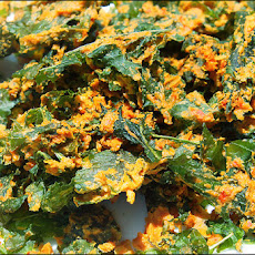 Cheesy Kale Chips (Raw & Vegan)