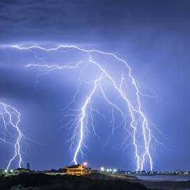 MULTIPLE SUPER STRIKES by Steve Brooks - News & Events Weather & Storms ( lights, strike, lightning, news, weather, best, special, ocean, storms, media, western australia, mandurah )
