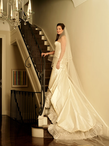 Modern Bridal Gown with Long Veil 5