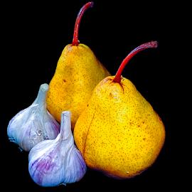 garlic with pear by LADOCKi Elvira - Food & Drink Fruits & Vegetables ( vegatables, colored flowers )