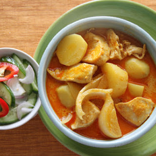 Chicken Yellow Curry (Kaeng Kari Kai)