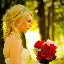 by Leslie Hanthorne - Wedding Bride