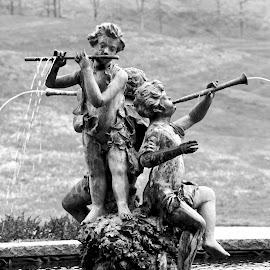 Flute Children by Jennifer Hawk - Buildings & Architecture Statues & Monuments ( statue, shakespeares, flute, children, monument, ellwood city,  )
