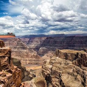Skywalk grand canyon west by Toni Panjaitan - Landscapes Travel ( mountain & hill, travel, landscape )