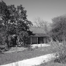Schumacher House in Black and White by Steve Munford - Buildings & Architecture Homes ( sabot, texas, architecture, historic, black&white )