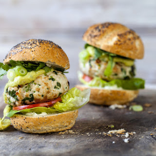 Turkey Burgers with Avocado and Hummus