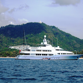 MY Samax by Ilse Gibson - Transportation Boats ( cruising, motorcruiser, superyacht, thailand, motoryacht, luxury cruiser )