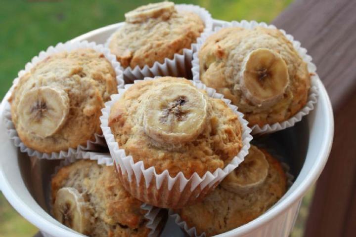 Peanut Butter-Banana Muffins