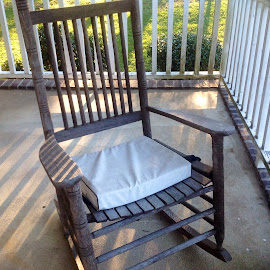 Wood rocking chair by Terry Linton - Artistic Objects Furniture (  )