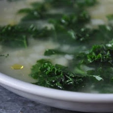 Colleen's Garlic and Greens Soup (Vegan)