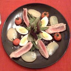 Sensational Tuna Nicoise with Black Olive Dressing