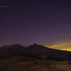 Iztaccihuatl and stars by Cristobal Garciaferro Rubio - Landscapes Mountains & Hills ( mexico, stars, iztaccihuatl )