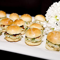 Scallop Burger Sliders With a Cilantro-Lime Mayo