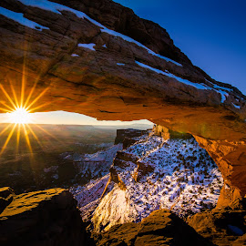 Mesa Arch by Jared Gant - Landscapes Sunsets & Sunrises ( redrock, arch, canyonlands, national parks, sunrise )