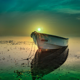 The morning leek of excellence by Ade Irgha - Transportation Boats ( cloud, sea, sunrise, boat )