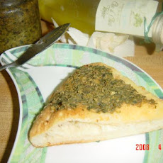 Garlic Pesto Spread