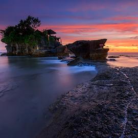 Sunset at Tanah Lot Temple by Yudik Pradnyana - Landscapes Sunsets & Sunrises ( water, temple, bali, waterscape, sunset, long exposure, landscapes )