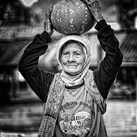Life is not as good as you think, mates .. God blesses her .. by Ifan Wibowo - People Portraits of Women (  )