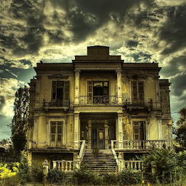 Old house by Alexander Hadji - Buildings & Architecture Homes ( old, house, horror,  )