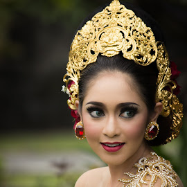 Beauty of smile by Made Cardewa - People Portraits of Women ( bali, kebaya )