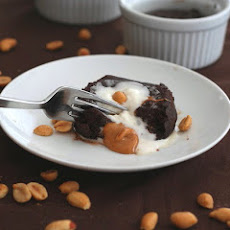 Molten Chocolate Peanut Butter Cake – Low Carb and Gluten-Free