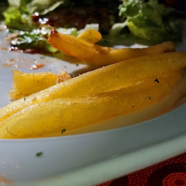 The last few chips by Efraim van der Walt - Food & Drink Plated Food ( colour, chips, food,  )