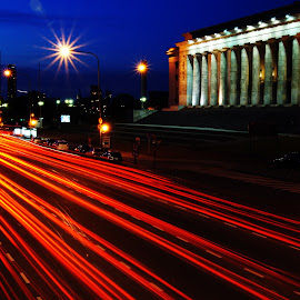 Facultad de derecho by Tobias Weller - Abstract Light Painting ( argentina, red, cars, street, buenos aires, pillar, night, architecture, light, pillars )