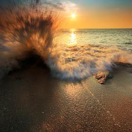 Splash by Syamil Shafee - Landscapes Sunsets & Sunrises ( moment, sunset, malaysia, rocks, photography )