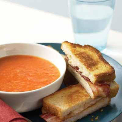 Tomato Soup with Cheese and Bacon Toasties