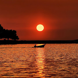 Sunset by Renata Arvaj - Landscapes Sunsets & Sunrises ( nature, sunset, landscape )