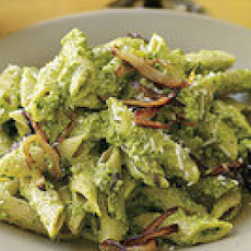 Pasta with Hazelnut-Spinach Pesto