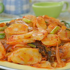 Soft and Chewy Rice Cake with Spicy Kimchi